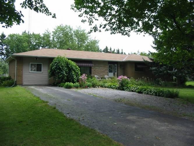 Spacious Bedroom Ranch Bungalow Port Hope Ontario Estates