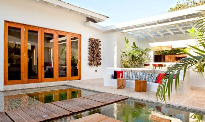 Spanish Style Homes Central Courtyard Open Floor Plans