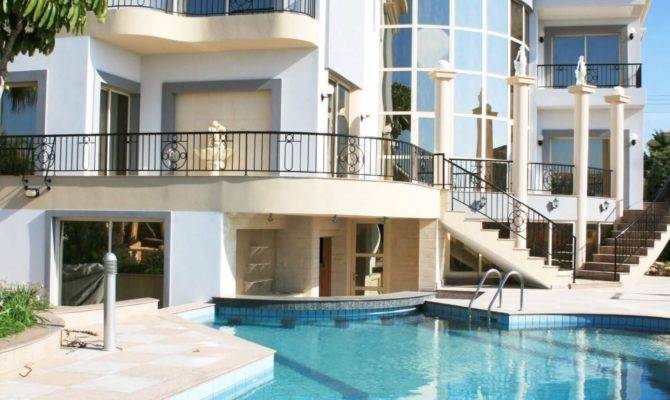 Spectacular Backyard Swimming Pool Designs