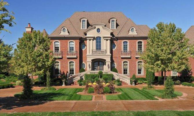 Square Foot Traditional Mansion Brentwood