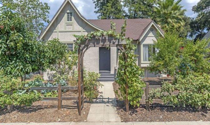 Storybook Cottage Altadena Asks Curbed