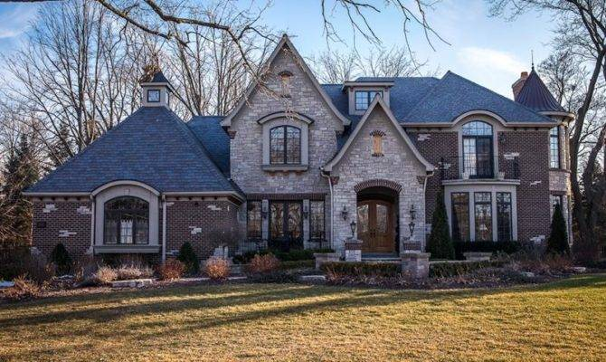 Stunning Exteriors Stone Accents