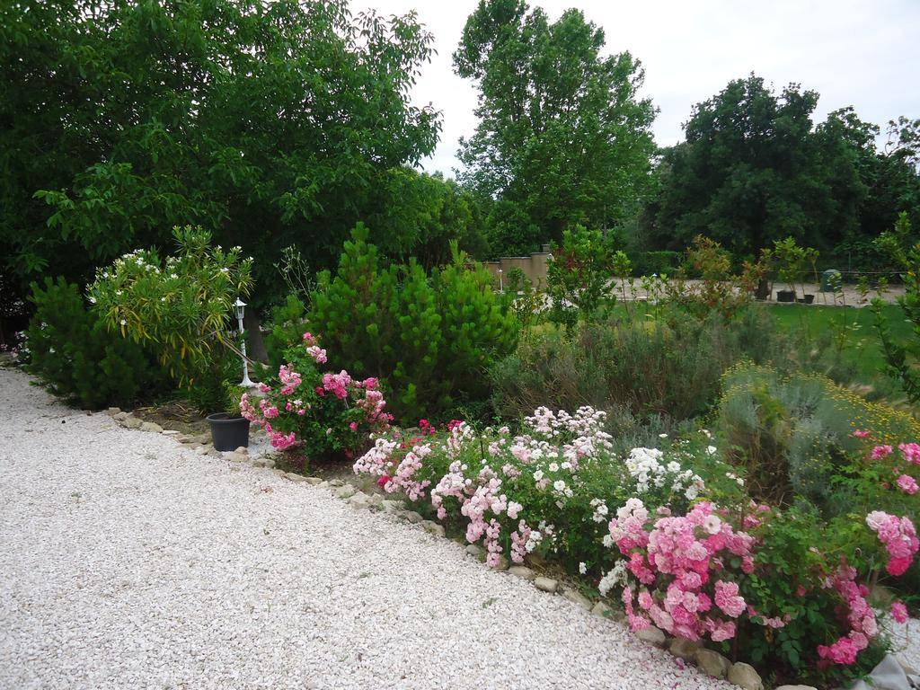 Sunny Country House Isle Sur Sorgue Booking