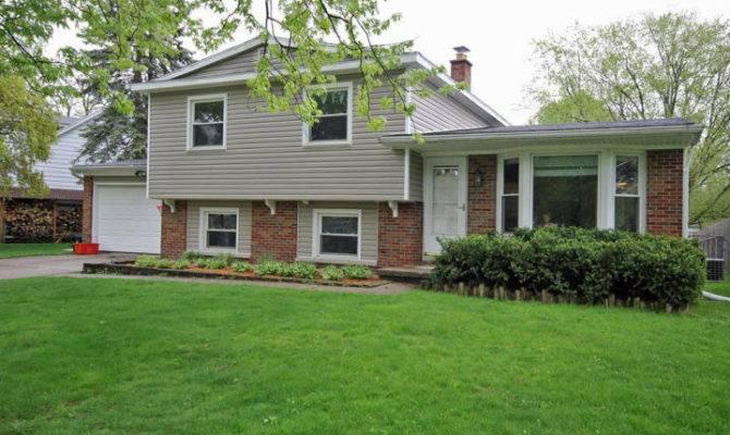 Surrey Bedroom Tri Level Home Sale Portage