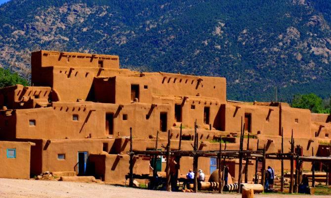 Taos Pueblo Wikimedia Commons