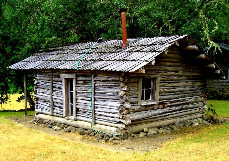 Thirteen Tiny Dream Log Cabins Floating Home