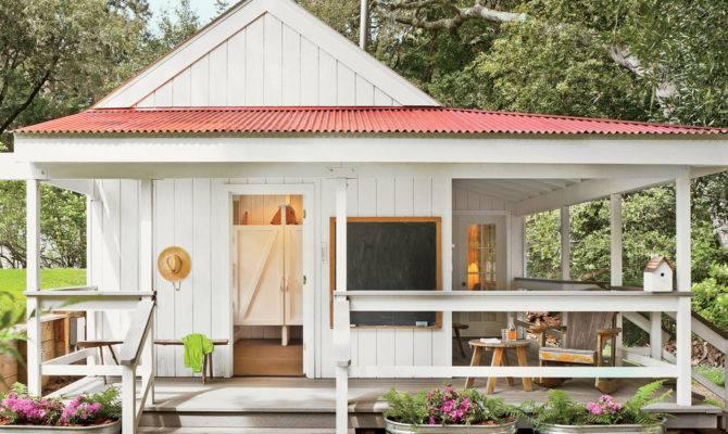 Tiny Coastal Cottages Living