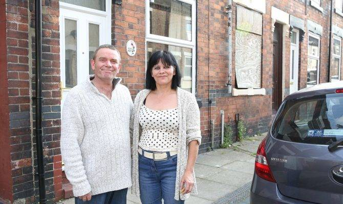 Trent Couple Buy Britain Cheapest House Daily Mail