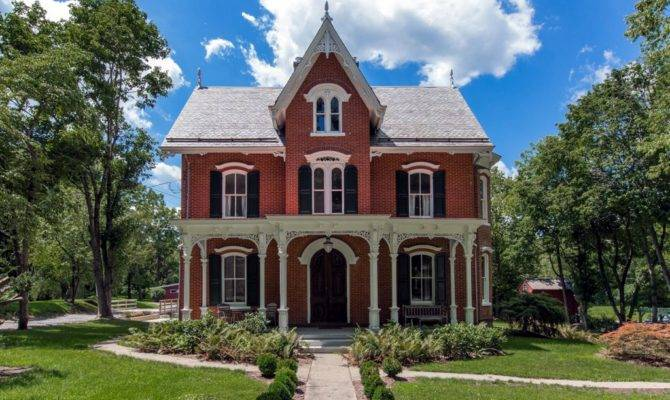 Types Fascinating Victorian Style Homes Designs