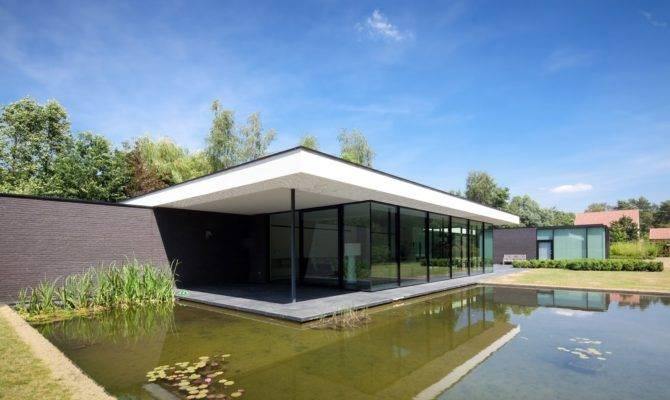 Ultra Modern Minimal Glass House Design Moderndesign