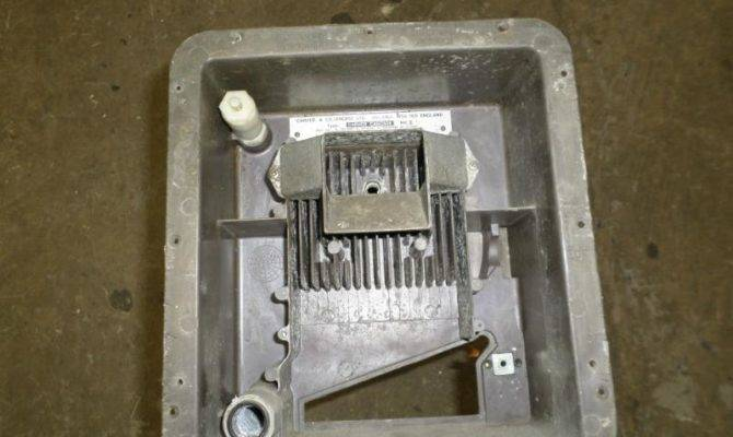 Used Caravan Carver Cascade Gas Water Heater Tank Bar