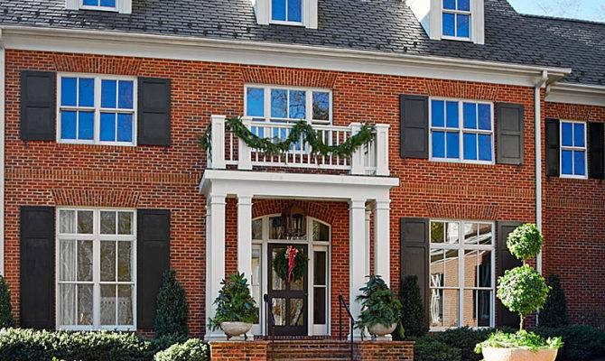 Virginia Home Pretty Holiday Palette Traditional