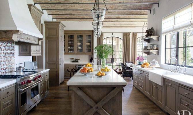 Warm Luxurious Modern Farmhouse Decor Ideas