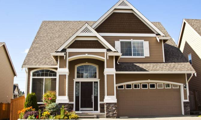 Which Option Provides More Benefits Attached Detached Garage