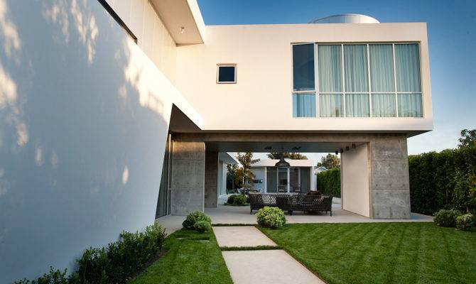White Stucco Modern House Venice California Dennis