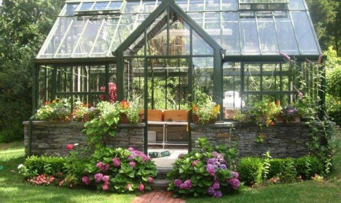 Wonderful Backyard Greenhouse Ideas
