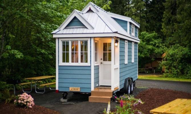 Zoe Tiny House Swoon